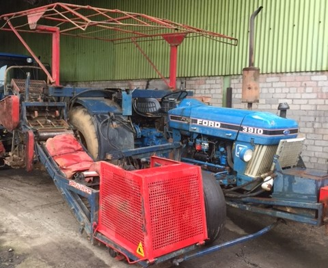 Brouwer Harvester - New Holland 3910- NOW SOLD for sale